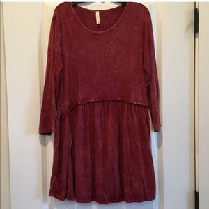Piper and scoot burgundy tunic size large